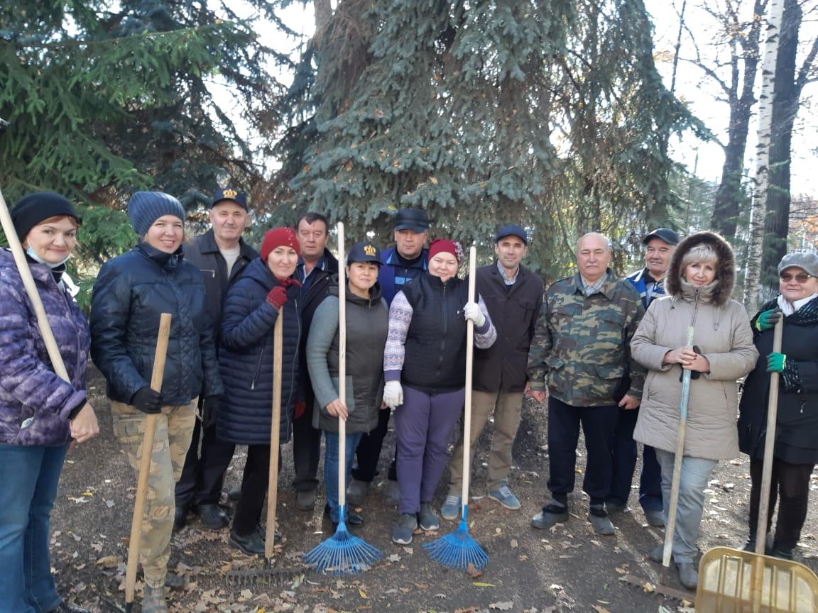 Осенний экологический субботник прошел в Башкирском НИИСХ УФИЦ РАН